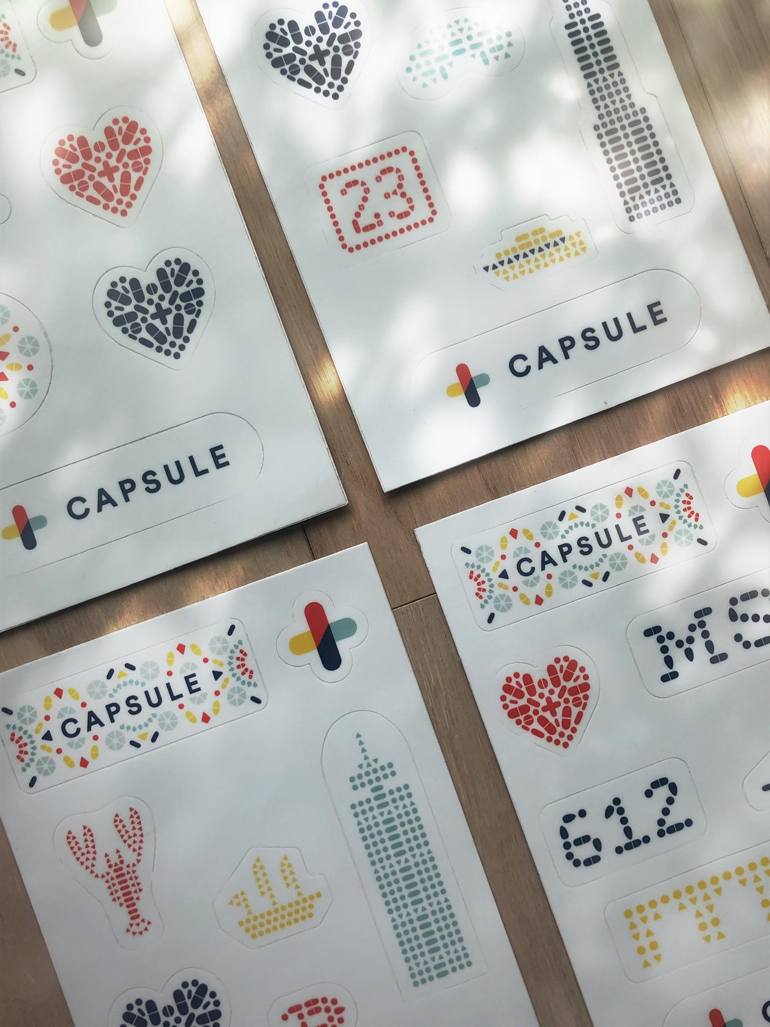 Capsule-Stickers-Photo